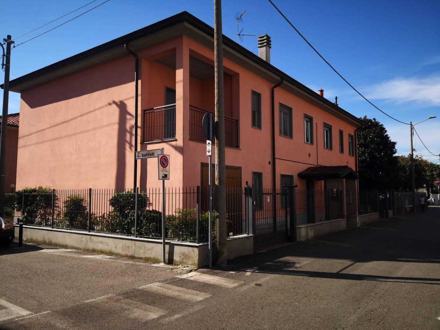 Trilocale via Giuseppe Mazzini 8, Mediglia