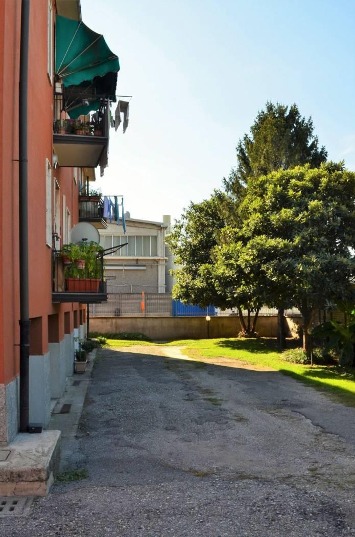 LABORATORIO ,in via Fratelli Rosselli 4